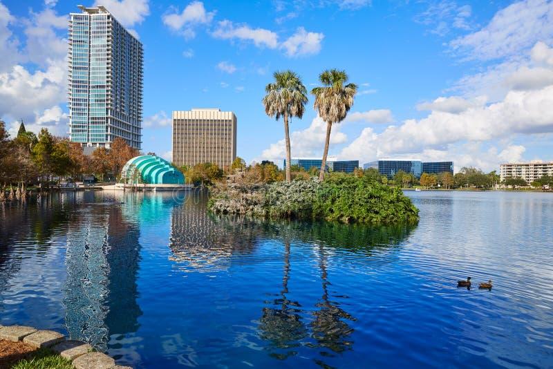 Lago Eola la Florida los E.E.U.U. del fom del horizonte de Orlando fotografía de archivo libre de regalías