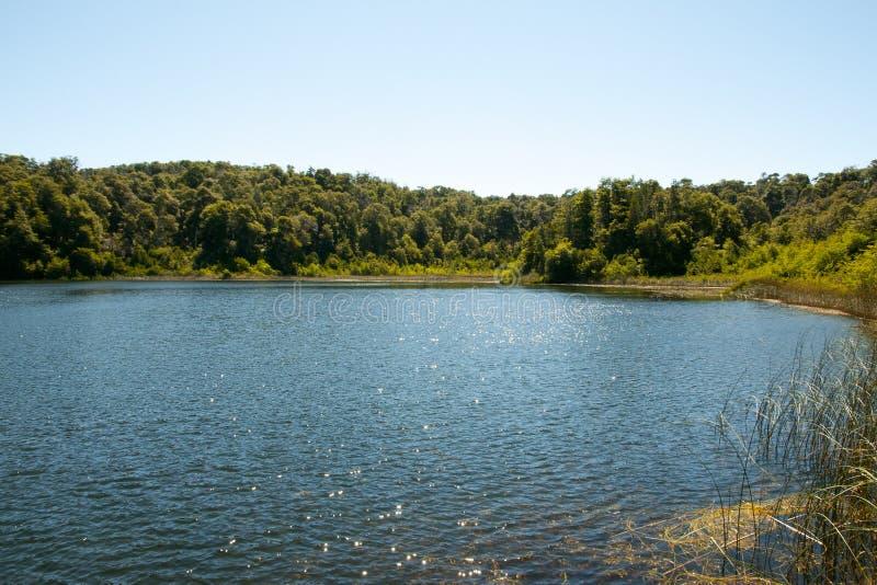 Lago escondido em Nahuel Huapi - Bariloche - Argentina foto de stock royalty free
