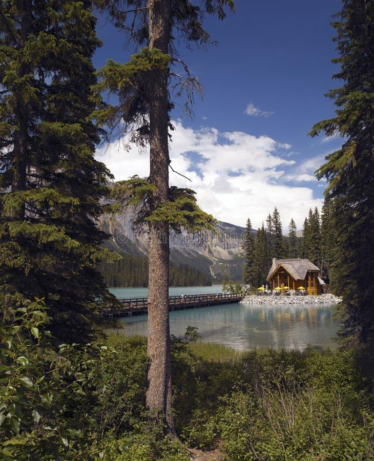 Lago esmeralda en el parque nacional de Yoho - Canadá imagen de archivo
