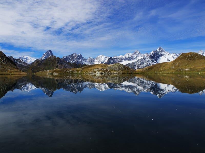 Lago Fenetre in Svizzera fotografie stock