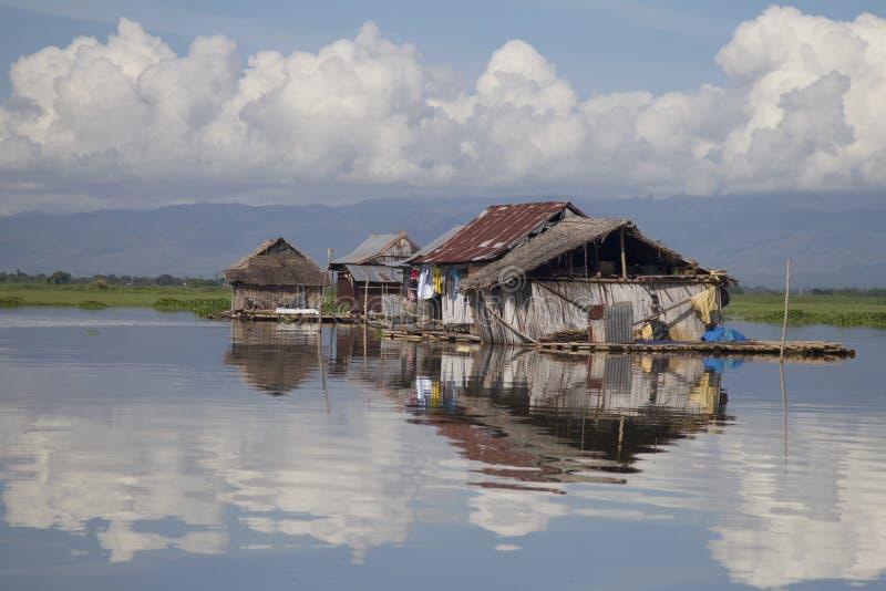 Lago flotante Tempe de las casas imágenes de archivo libres de regalías