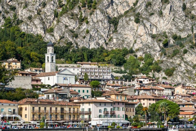 Lago Garda Italia village de Limone foto de archivo
