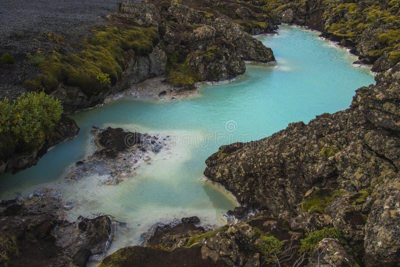 Lago geotérmico azul foto de archivo libre de regalías