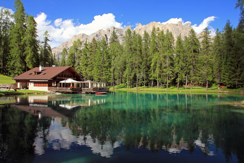 Lago Ghedina zdjęcie stock
