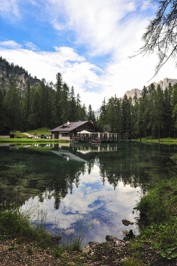 Lago Ghedina imagem de stock royalty free