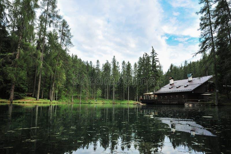 Lago Ghedina foto de stock royalty free