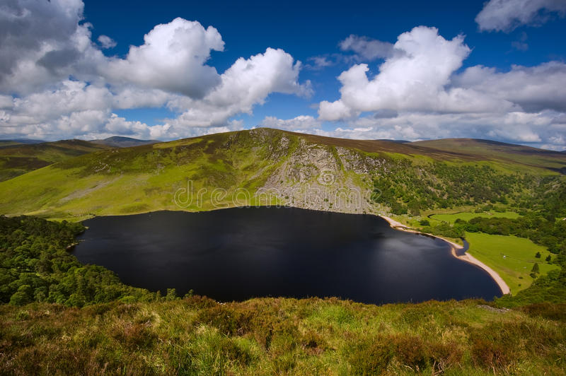 Lago guinness nelle montagne di Wicklow a Dublino, Irlanda fotografie stock