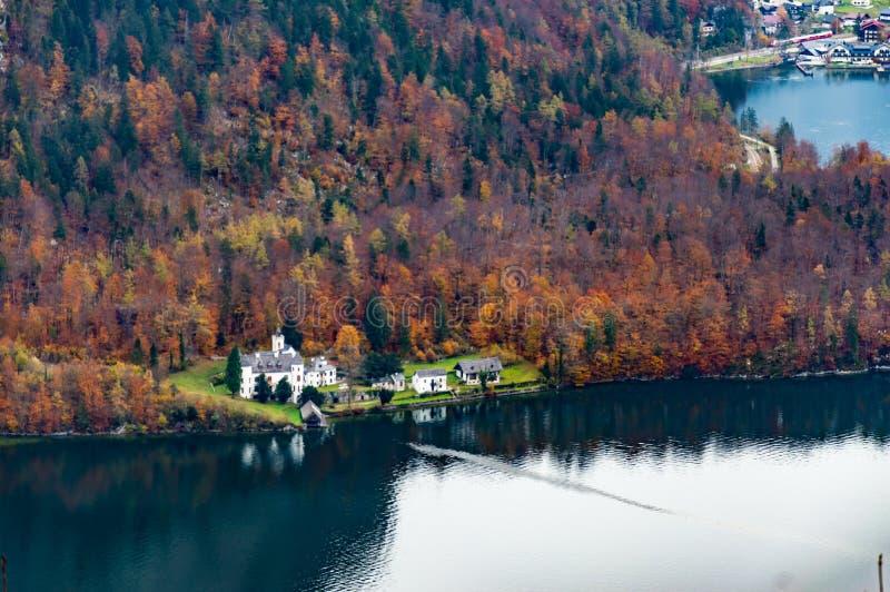 Lago Hallstatter em Upper Austria perto de Salzburg imagem de stock royalty free