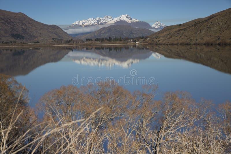 Lago Hayes reflections fotos de archivo libres de regalías