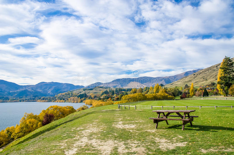 Lago Hayes situado na ilha sul, Nova Zelândia fotografia de stock
