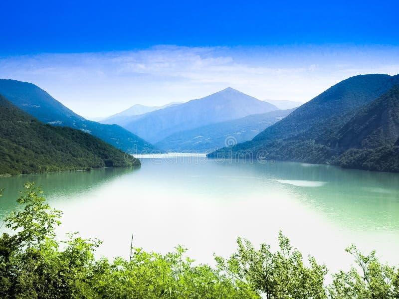 Lago hermoso fotografía de archivo libre de regalías