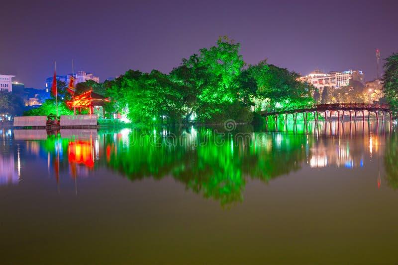 Lago Hoan Kiem, ha di Noi, Vietnam. fotografia stock libera da diritti