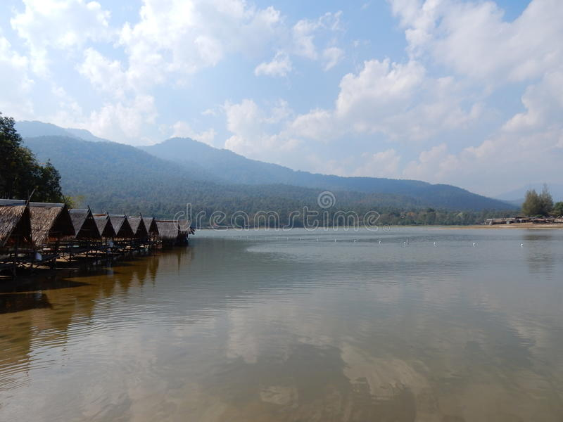 Lago Huay Tueng Tao en Chiang Mai fotografía de archivo libre de regalías