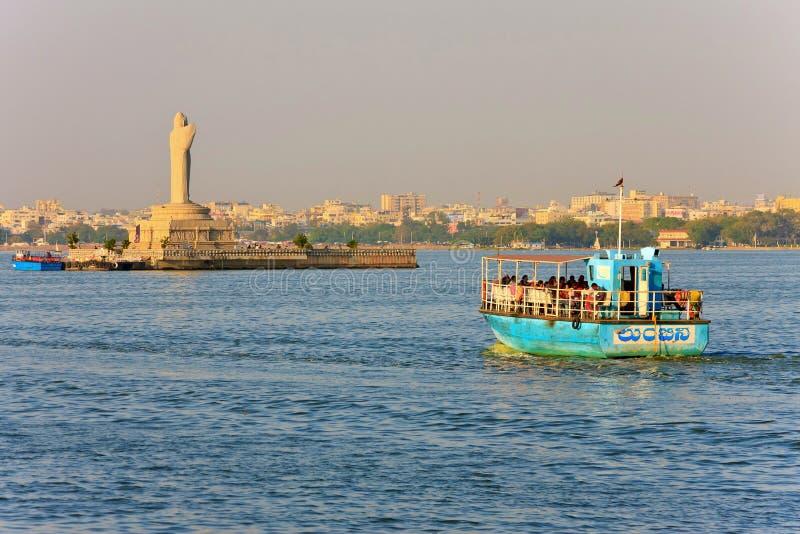 Lago Hussain Sagar, Hyderabad, Índia imagens de stock royalty free