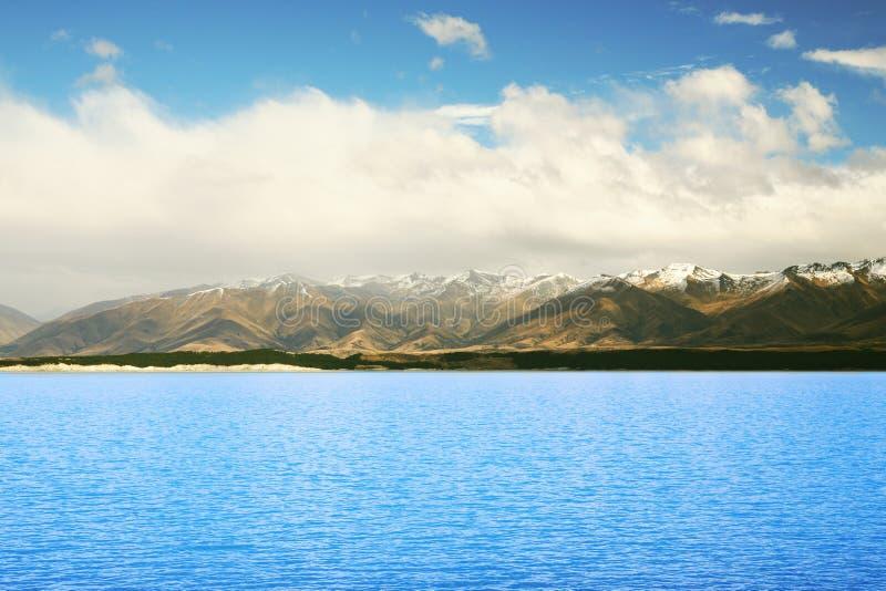 Lago imponente en Nueva Zelandia fotografía de archivo libre de regalías