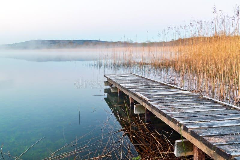 Lago Irlandés Antes De La Salida Del Sol Foto de archivo