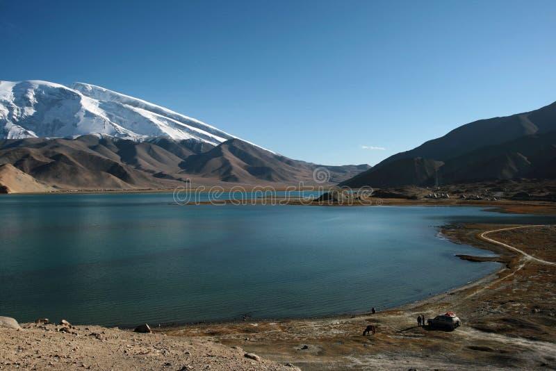 Lago Kara-Kul fotos de stock royalty free
