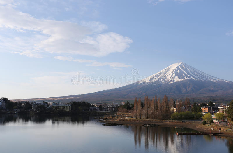 Lago Kawaguchiko e viste del monte Fuji fotografia stock libera da diritti