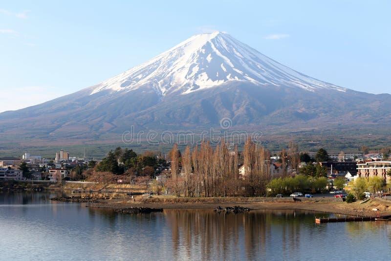 Lago Kawaguchiko e viste del monte Fuji immagini stock