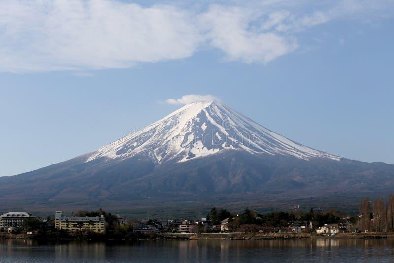 Lago Kawaguchiko e viste del monte Fuji fotografie stock