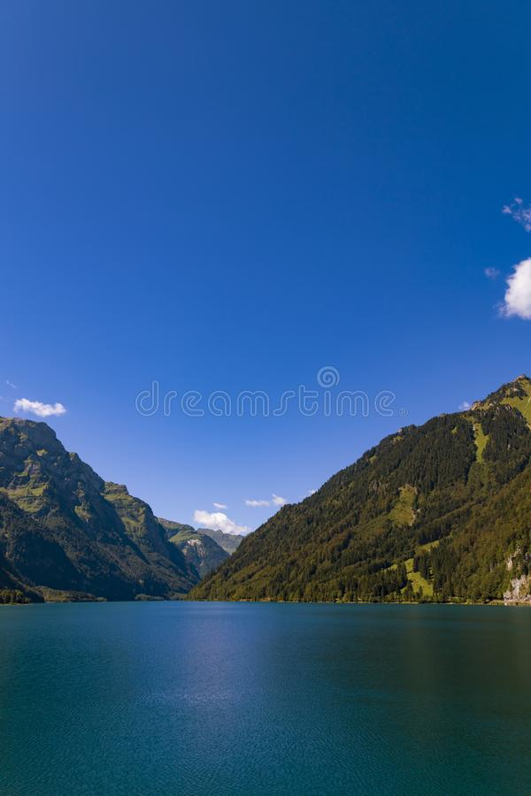 Lago Klontalersee mountain Cant?o de Glarus switzerland fotos de stock royalty free
