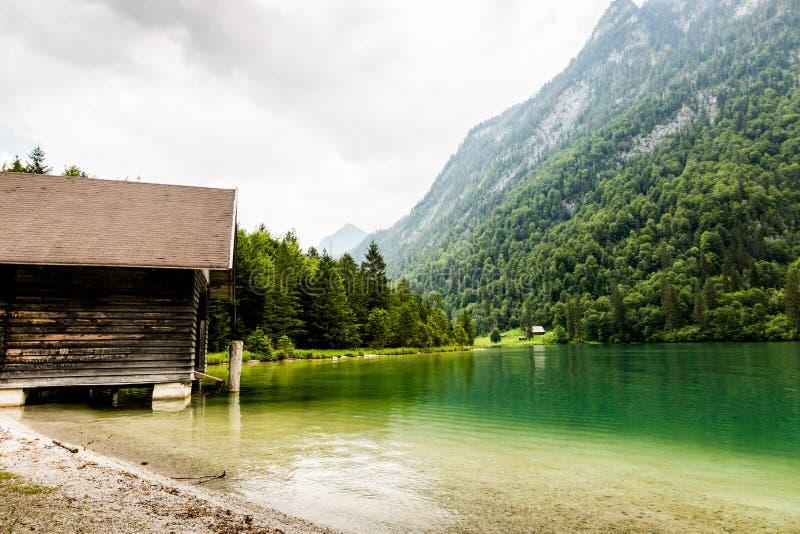 Lago Konigssee, conhecido como o ` o lago o mais profundo e o mais limpo de s de Alemanha imagem de stock royalty free
