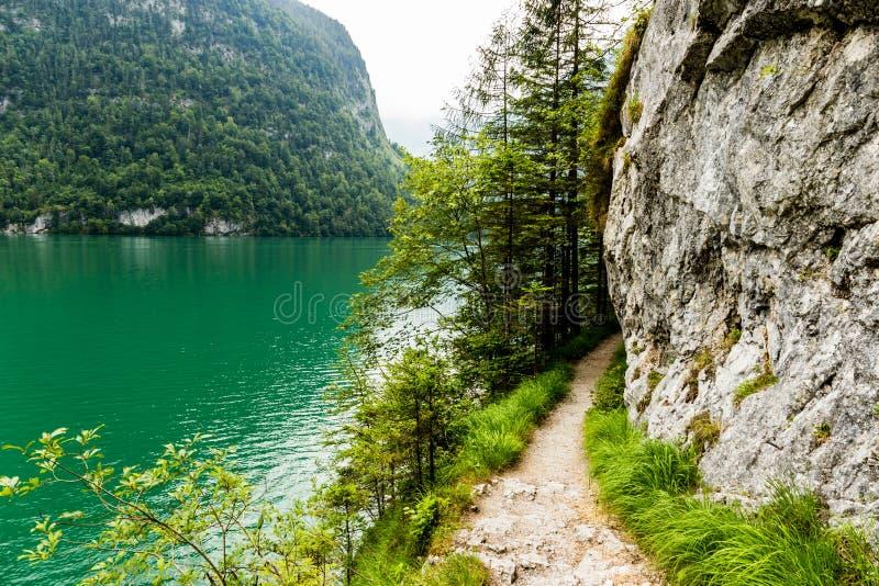 Lago Konigssee, conhecido como o ` o lago o mais profundo e o mais limpo de s de Alemanha fotografia de stock royalty free