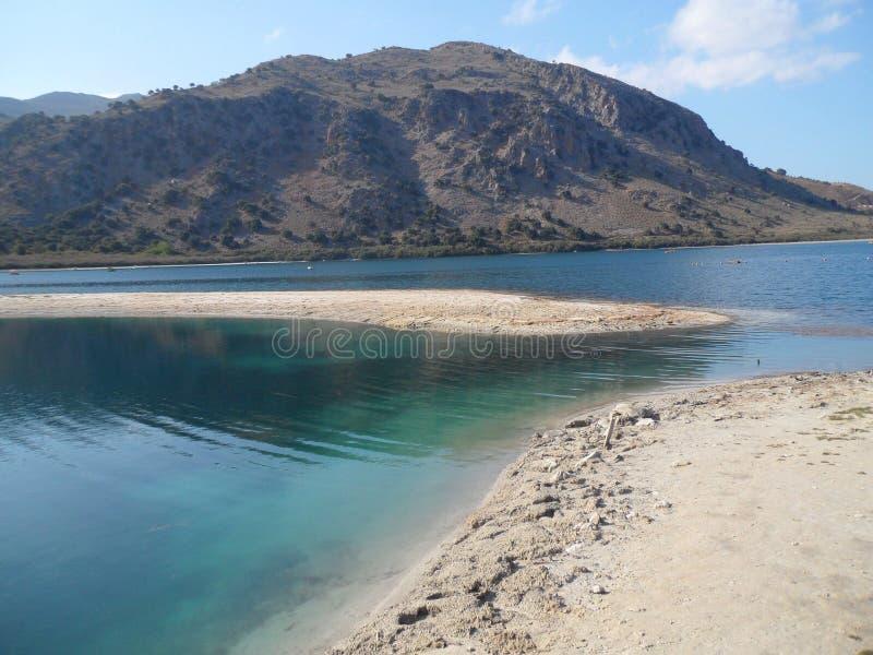 Lago Kournas, Creta fotografía de archivo libre de regalías