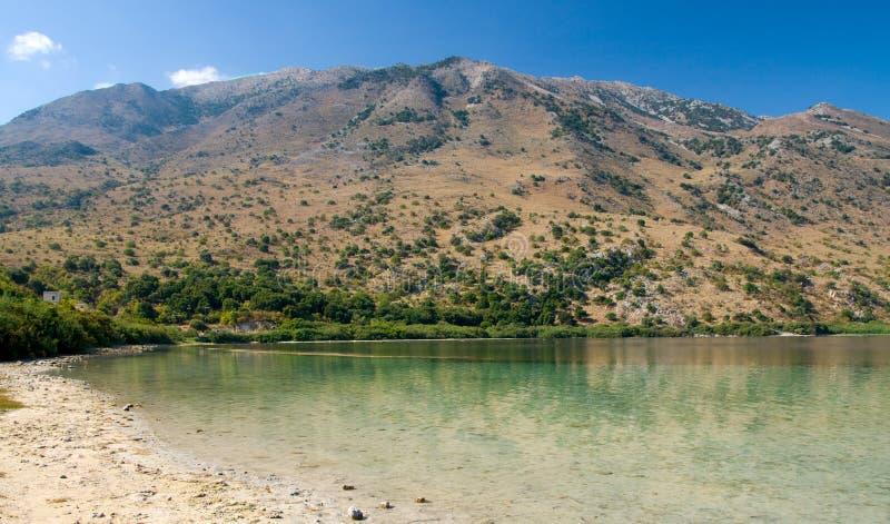 Lago Kournas en Crete fotos de archivo libres de regalías