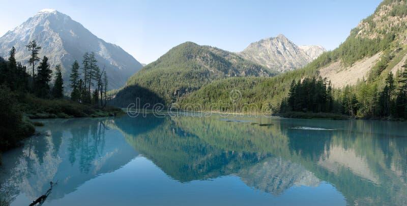 Lago Kucherlinskoe imagens de stock