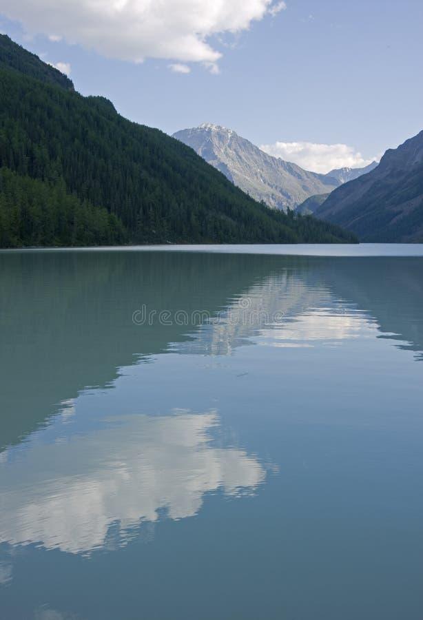 Lago Kucherlinskoe, montanhas de Altai (#2) imagem de stock