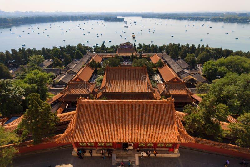 Lago kunming en el palacio de verano en Pekín fotos de archivo