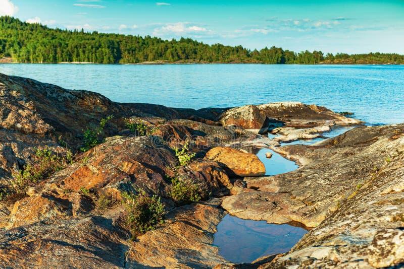 Lago Ladoga - visita el Parque Nacional foto de archivo libre de regalías