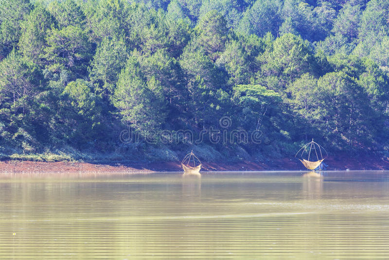 Lago lam di Tuyen di mattina presto immagini stock