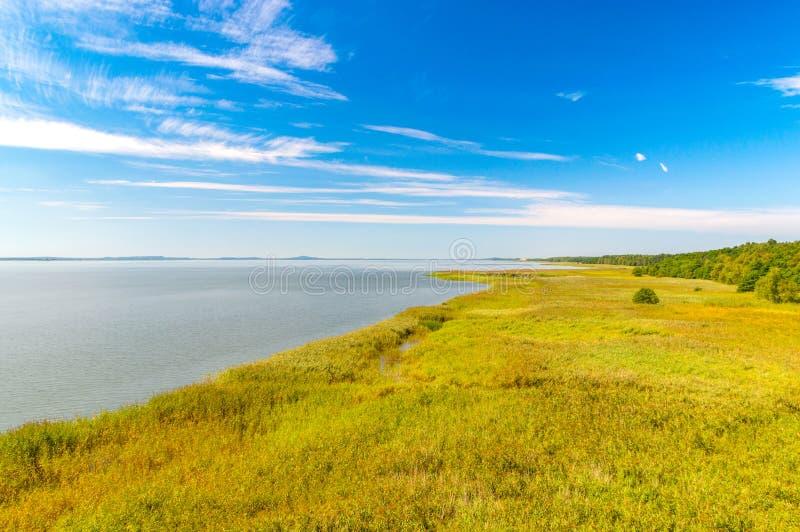 Lago Lebsko en el parque nacional de Slowinski en Polonia imagenes de archivo