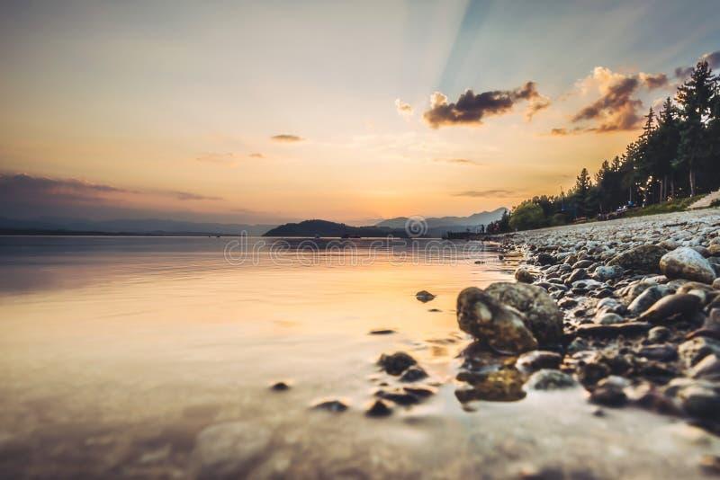Lago Liptovska Mara, Eslováquia imagem de stock