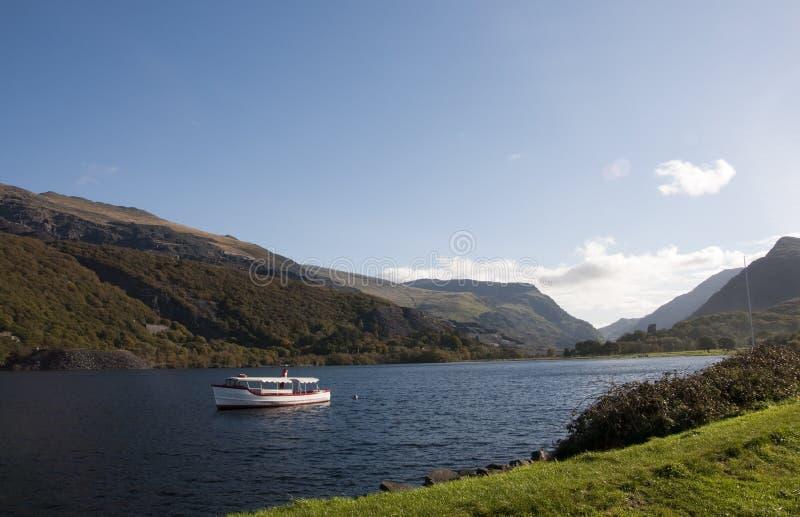 Lago Llyn Padarn Llanberis fotografia stock libera da diritti
