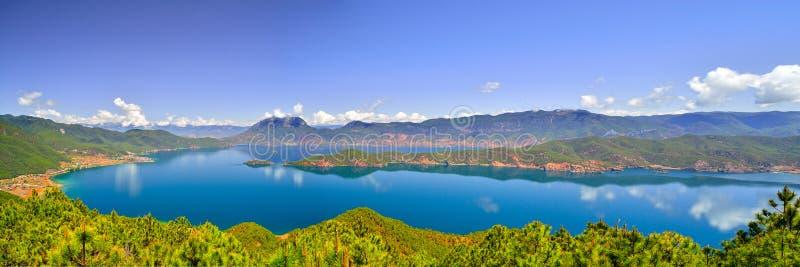 Lago Lugu, il regno delle donne fotografie stock