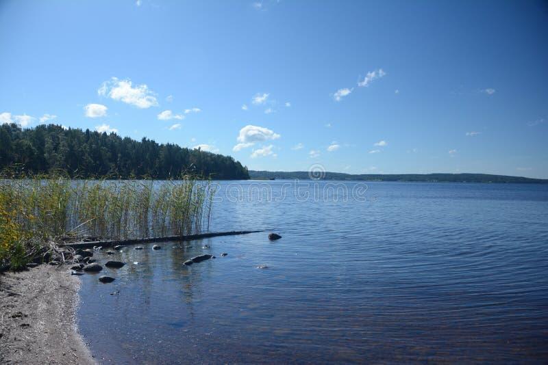 Lago Möckeln en Suecia fotos de archivo
