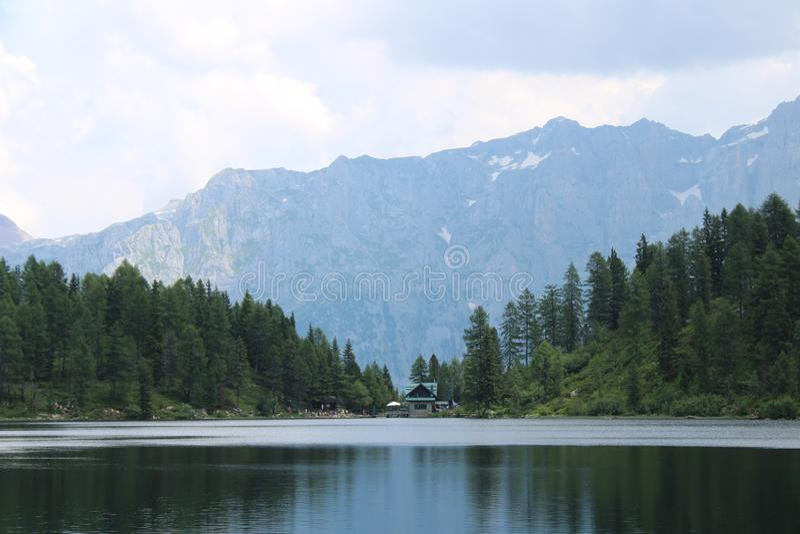 Lago Malghette em Trentino Alto Adige Italy imagens de stock royalty free