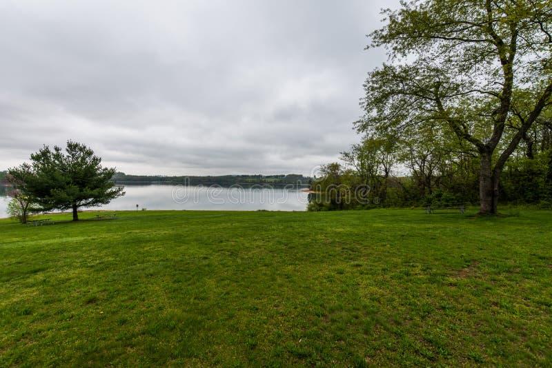Lago Marburgo nel parco di stato di Codorus a Hannover, Pensilvania fotografia stock libera da diritti