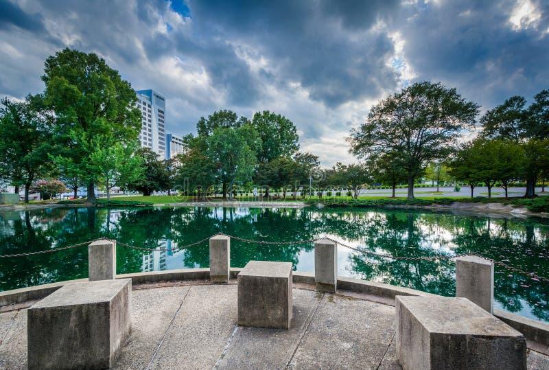 Lago a Marshall Park, a Charlotte dei quartieri alti, Nord Carolina fotografie stock libere da diritti