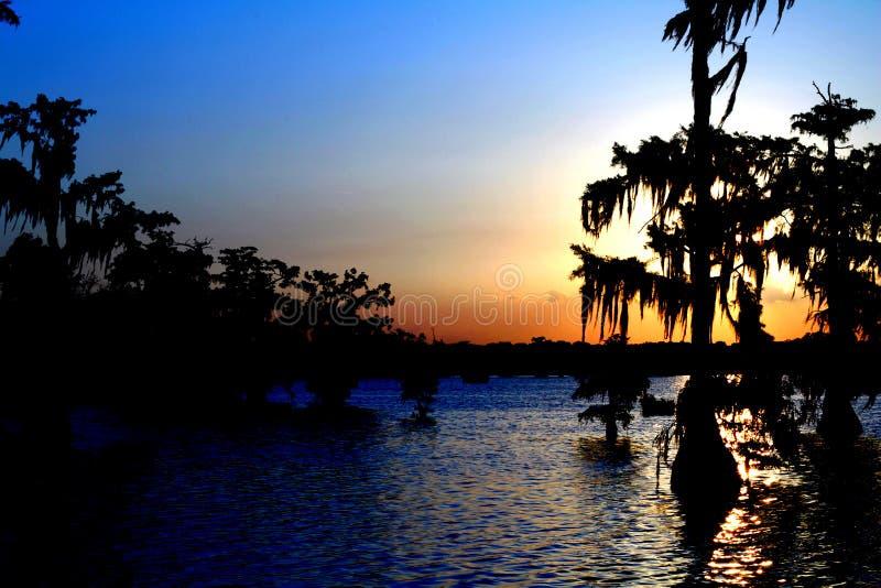 Lago Martin Multicolored Sunset in Luisiana del sud fotografie stock libere da diritti