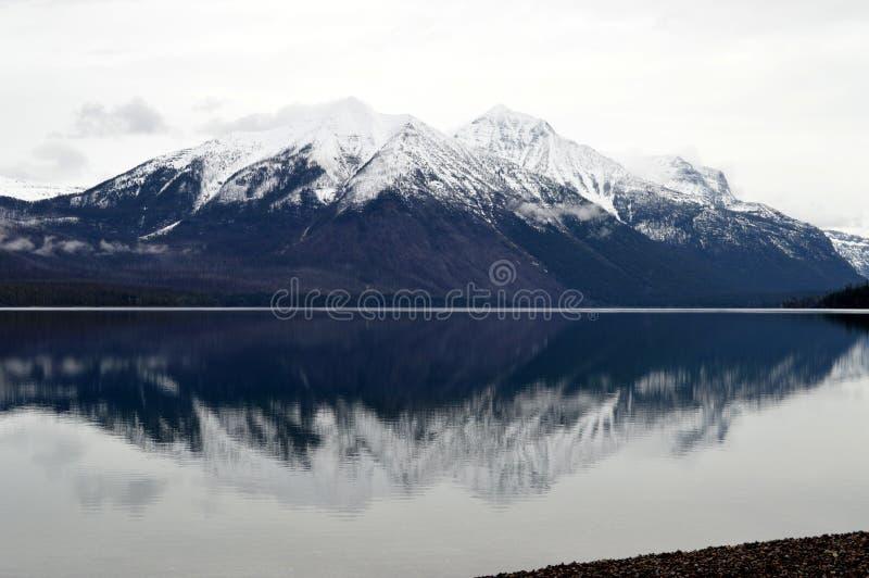 Download Lago McDonald In Glacier National Park Fotografia Stock - Immagine di riflesso, nave: 30826478