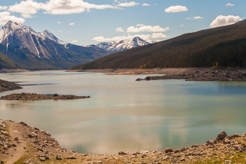 Lago medicine, Alberta, Canadá foto de stock