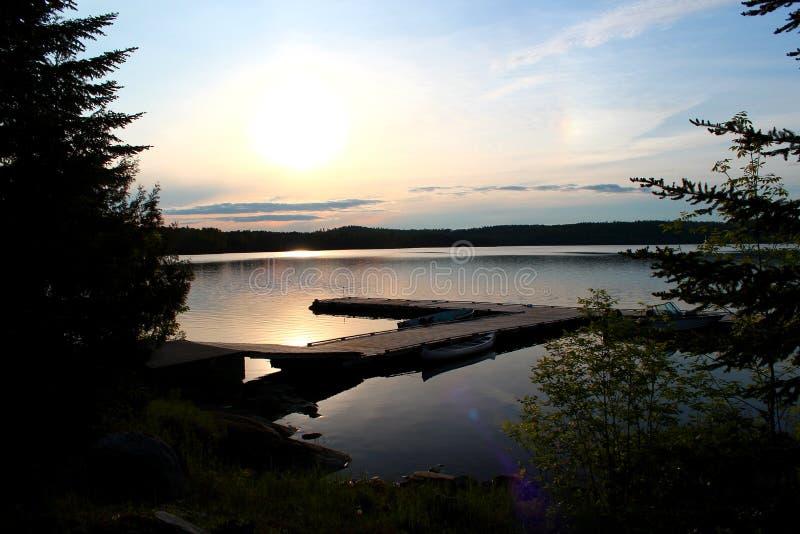 Lago meraviglioso e lunatico nel Canada/Ontario fotografia stock