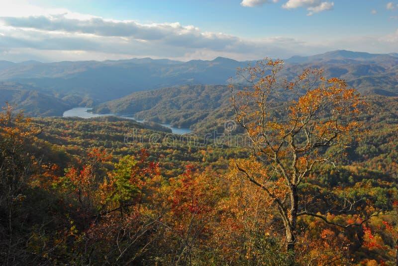 Lago meridional escénico mountain apalache fotografía de archivo