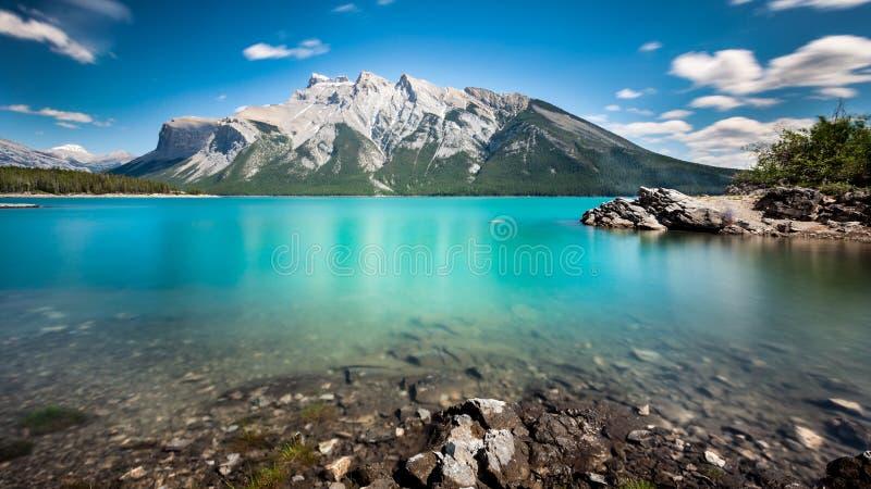 Lago Minnewanka imágenes de archivo libres de regalías