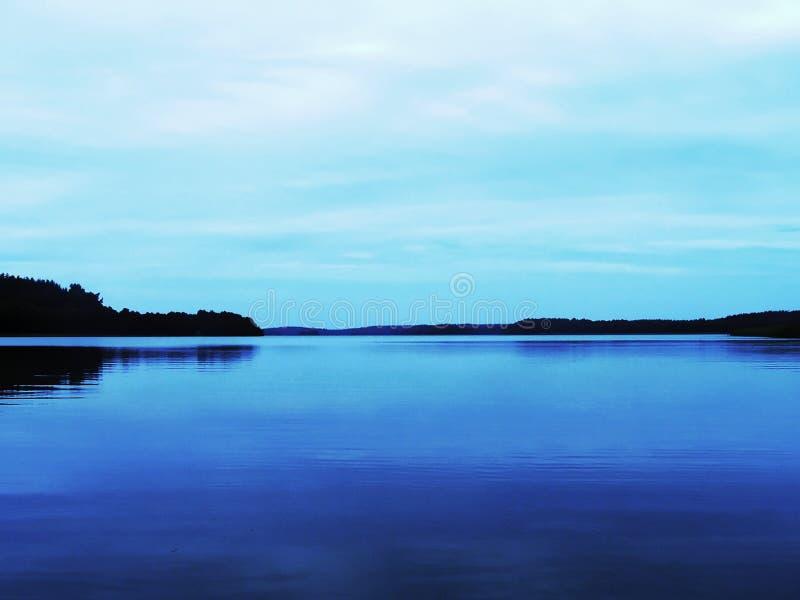 Lago misterioso calmo fotografia stock