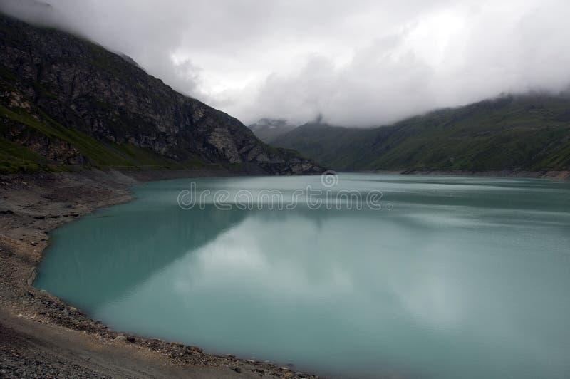 Lago Moiry em Switserland fotos de stock royalty free